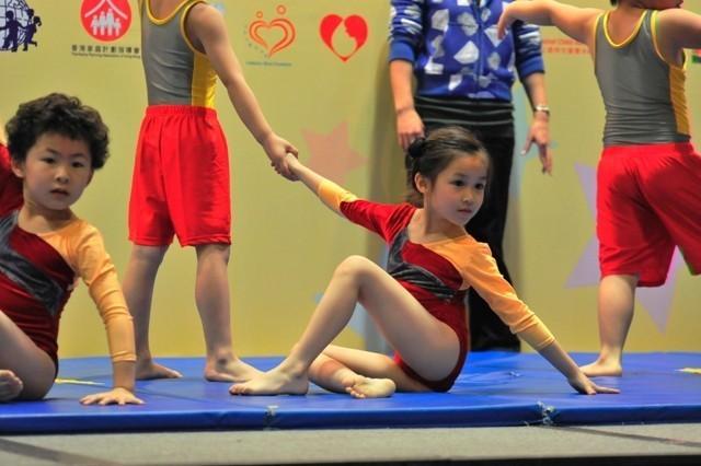 幼儿体操 2009 ]